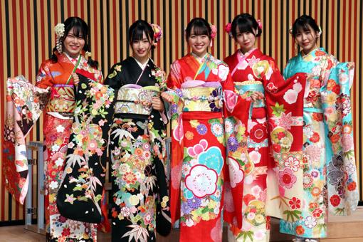 STU48 (写真左から、矢野帆夏、沖侑果、今村美月、中村舞、谷口茉妃菜)